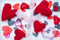 Muitos corações de cores e de formas diferentes Imagem de Stock