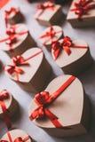 Muitos corações dos presentes Amor Fotos de Stock Royalty Free