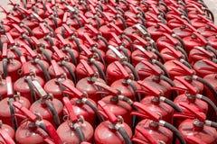 Muitos extintores velhos Imagens de Stock