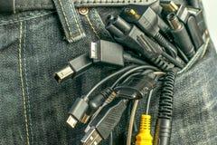 Muitos fios e conectores do bolso imagem de stock