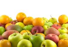 Muitos frutos maduros como o close up isolado fundo Imagem de Stock