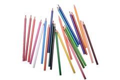 Muitos lápis coloridos isolados no fundo branco, lugar para o texto imagens de stock