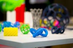 Muitos modelos abstratos imprimiram pelo close-up da impressora 3d Fotografia de Stock