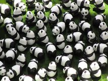 Muitos modelos da panda na exposição, verão 2018 foto de stock royalty free