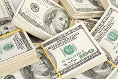 Muitos pacote de E.U. 100 dólares de notas de banco Imagens de Stock