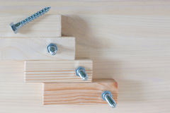 Muitos parafusos de madeira, tiros macro Fotos de Stock Royalty Free