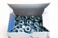 Muitos parafusos inoxidáveis do parafuso do metal do cromo múltiplo imagem de stock royalty free