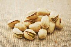 Muitos pistachios Fotografia de Stock Royalty Free