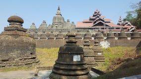 Muitos stupas pequenos em Myanmar Imagens de Stock Royalty Free