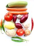 Muitos vegetais no fundo branco Fotos de Stock Royalty Free