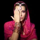 Mujer étnica de la belleza imagen de archivo libre de regalías