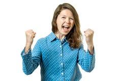 Mujer acertada con los brazos para arriba que celebra Imagen de archivo libre de regalías