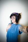Mujer adolescente bastante joven que hace el autorretrato Fotografía de archivo libre de regalías