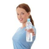 Mujer adolescente con agua Foto de archivo libre de regalías