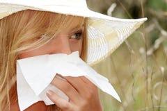 Mujer adolescente con alergia Fotografía de archivo libre de regalías