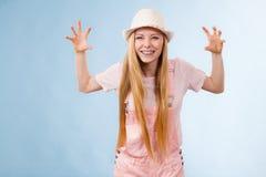 Mujer adolescente enojada divertida Fotos de archivo libres de regalías