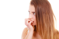 Mujer adolescente que parece preocupada, pensando en algo Imagen de archivo