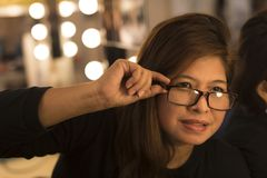 Mujer adulta asiática en vestuario Fotografía de archivo