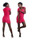 Mujer africana en mini alineada rosada imagenes de archivo