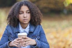 Mujer afroamericana del adolescente de la raza mixta triste Foto de archivo libre de regalías