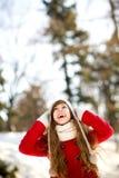 Mujer al aire libre en invierno Fotos de archivo libres de regalías