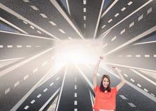 Mujer alegre con sus brazos aumentados para arriba Imágenes de archivo libres de regalías