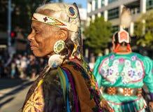 Mujer americana americana india nativa Imágenes de archivo libres de regalías