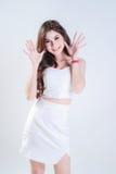 Mujer asiática con el vestido y la sonrisa Imagen de archivo