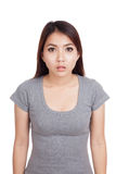 Mujer asiática joven aturdida, choque Imagen de archivo libre de regalías