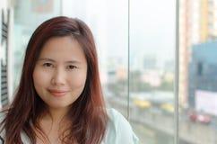 Mujer asiática preciosa Imagen de archivo libre de regalías