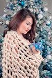 Mujer asiática que espera Año Nuevo Imagen de archivo libre de regalías