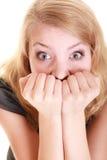 Mujer asustada empresaria asustada Tensión en trabajo Imagen de archivo