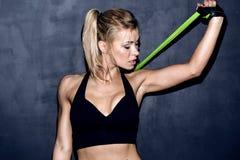 Mujer atlética joven Fotos de archivo