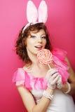Mujer atractiva con Bunny Ears Blonde del playboy fotografía de archivo