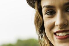 Mujer atractiva con el anillo de nariz Fotos de archivo libres de regalías
