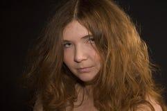 Mujer atractiva con el pelo rojo Imágenes de archivo libres de regalías