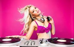 Mujer atractiva de DJ Imágenes de archivo libres de regalías