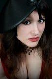 Mujer atractiva en alineada roja fotos de archivo
