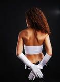 Mujer atractiva en guantes largos. Imagen de archivo libre de regalías