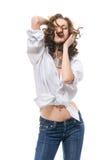 Mujer atractiva en la camisa blanca Fotografía de archivo libre de regalías