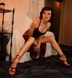 Mujer atractiva en silla Fotografía de archivo