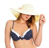 Mujer atractiva en sombrero Fotos de archivo libres de regalías