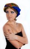Mujer atractiva en turbante oriental imagen de archivo