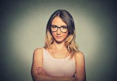 Mujer atractiva en vidrios Fotografía de archivo libre de regalías