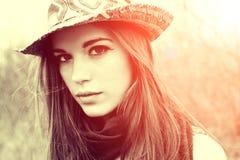 Mujer atractiva hermosa Fotografía de archivo libre de regalías
