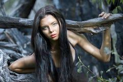 Mujer atractiva joven imagenes de archivo