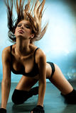 Mujer atractiva joven Fotografía de archivo libre de regalías