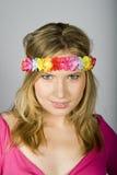 Mujer atractiva joven del verano con los vidrios cobardes Fotografía de archivo libre de regalías