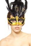 Mujer atractiva joven en la máscara veneciana Fotografía de archivo