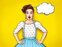 Mujer atractiva joven sorprendida con la boca abierta Mujer cómica Muchacha del chisme Mujeres sorprendentes Muchacha del arte po stock de ilustración